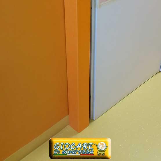 Angolare arancio antiurto e antitrauma