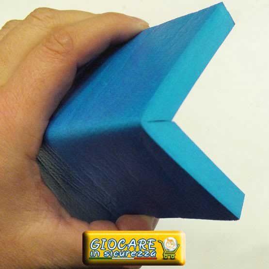 Angolare azzurro