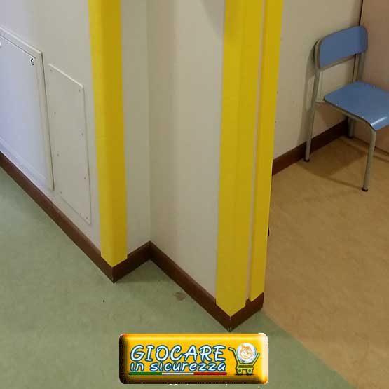 Angolare giallo antitrauma e antiurto atossico