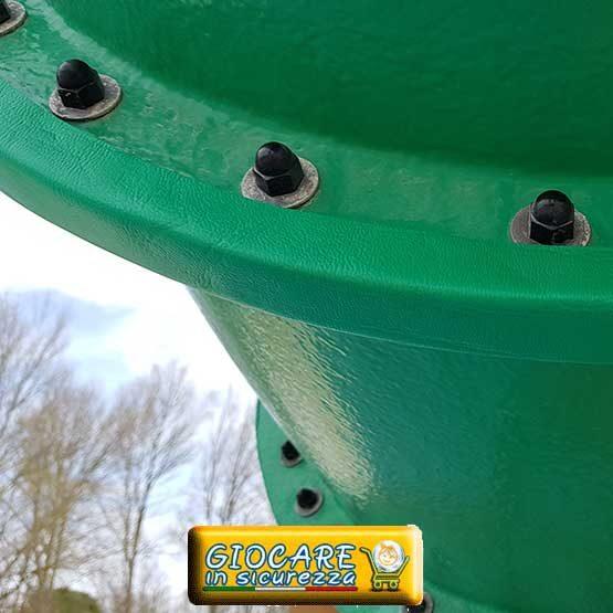 Protezione angolare circolare applicata su tubo parco acquatico