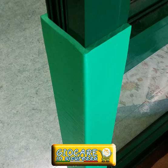 Protezioni verdi paraspigoli di gomma morbida verde