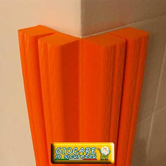 Paraspigolo arancione di gomma atossica o ignifuga