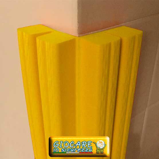 Paraspigolo giallo di gomma soffice atossica o ignifuga
