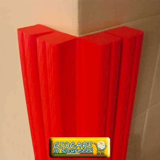 Paraspigolo rosso di gomma soffice atossica o ignifuga