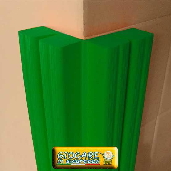Paraspigolo verde di gomma soffice atossica o ignifuga