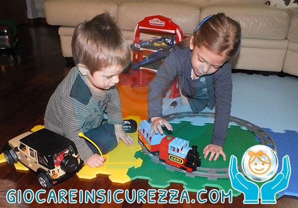 Tappeti gomma puzzle atossici per bimbi e bambini protetti - Protezioni per bambini in casa ...
