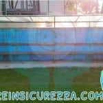 Sportiva protezione in gomma morbida antitrauma per porta di calcio nel campo sportivo