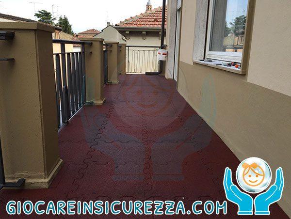 Pavimento gomma ad incastro per terrazza privata con protezione