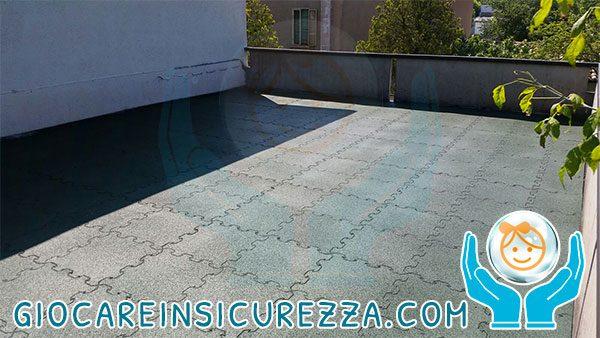Pavimento in gomma da esterno, protettivo e modulare per terrazza