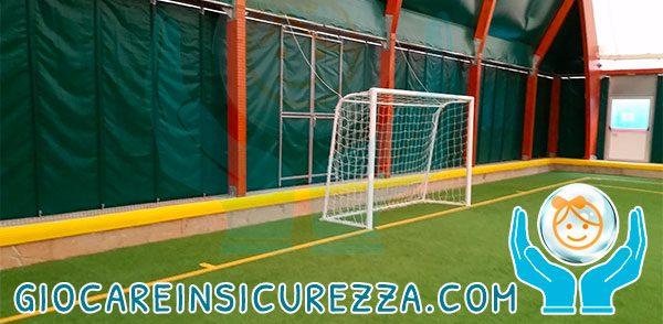 Sportiva protezione antitrauma in gomma per cordoli cemento di tensostruttura