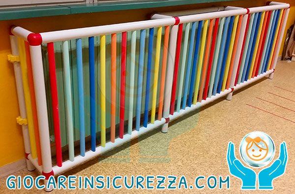 Copriradiatori su misura con tubi di plastica colorati e multicolore