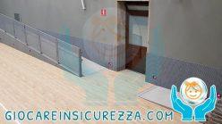 discesa disabili con la protezione a parete per palestra